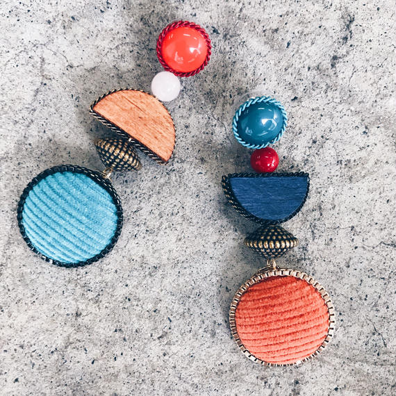 ブルー&オレンジPOPピアス