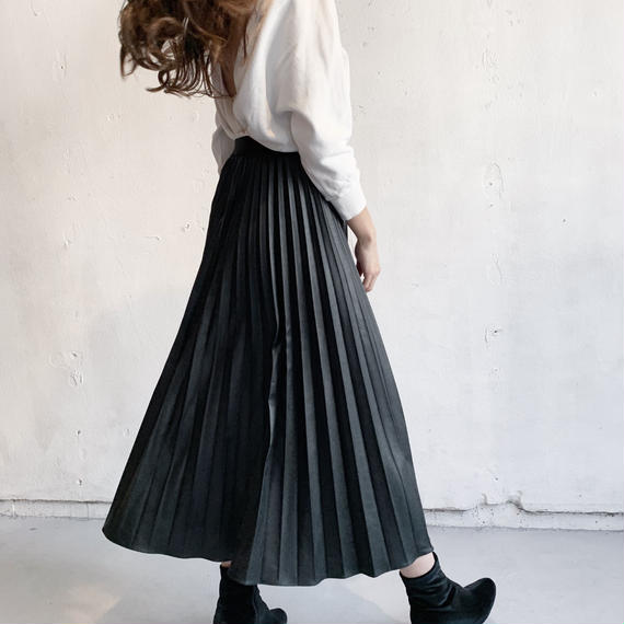 Fake leather pleated skirt (BLK)