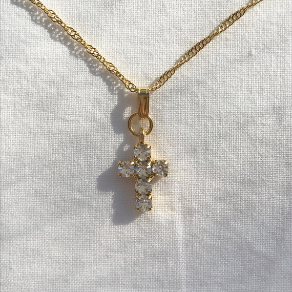41 bijou cross twist chain necklace