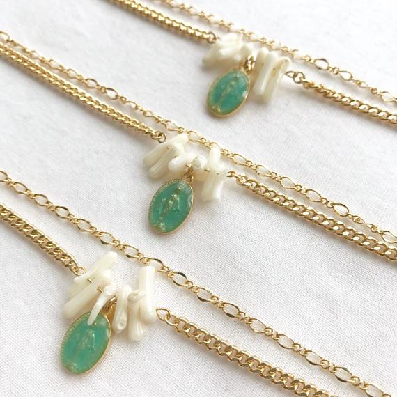 62 coral &spray green w chain bracelet