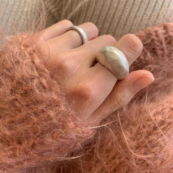 matte hammer finished ring -silver-