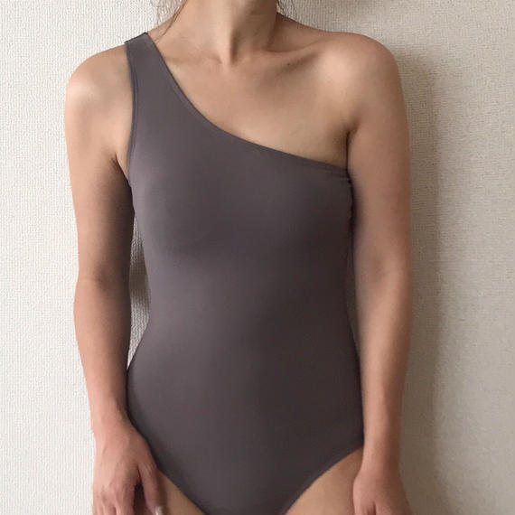 one-shoulder one-piece & swim cap[gray]