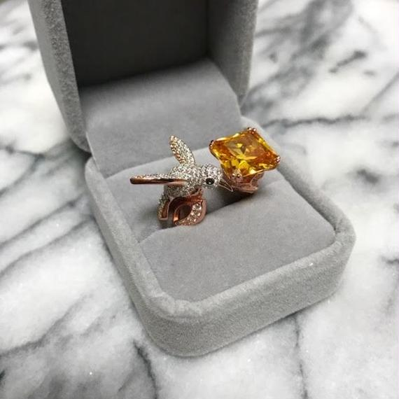 【Luxualry Collection!!】A Garnet Cucktail Ring With Lil Birld (コマドリとガーネットのカクテルリング)