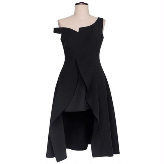Asymmetrical Classy Off The Shoulder Dress In Black (アシンメトリーオフショルワンピース)