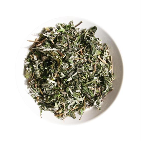 【茶】完全無農薬 おおやま 山間自生「よもぎ」乾燥茶葉 20g(日月茶起+自然舎本舗 共同製造<数量限定 薬草茶>)