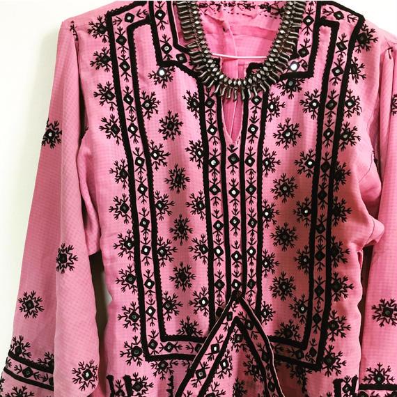 ヴィンテージ  パキスタン  バロチドレス   pink ! pink !