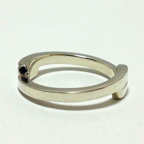 ひねリング(ブラックダイヤx2)