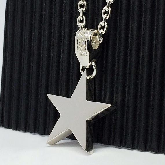 星モチーフのネックレス(フラットバージョン)