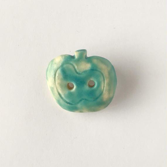 陶器ブローチ・りんご/turquoise blue