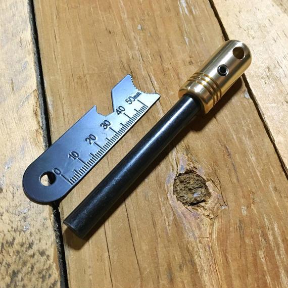 【送料無料】真鍮ハンドルメタルマッチ「野良スティックmini」10mm径 ※ストライカー1点付属 ファイアスチール/ファイアスターター 焚き火・野営・ブッシュクラフトに 日本製