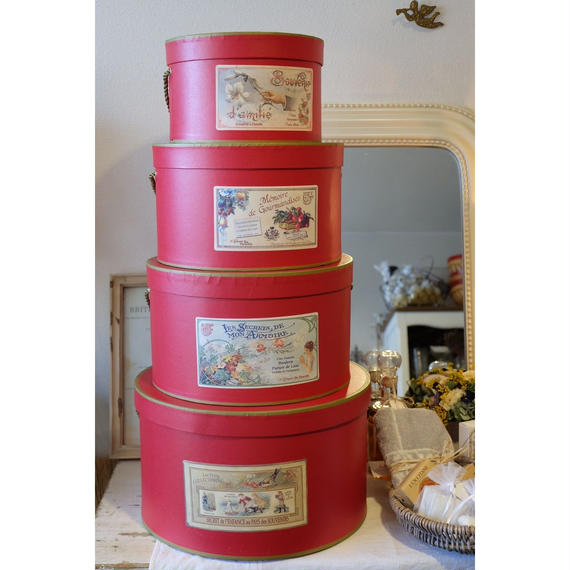 コントワール・ドゥ・ファミーユの帽子箱4個セットrouge