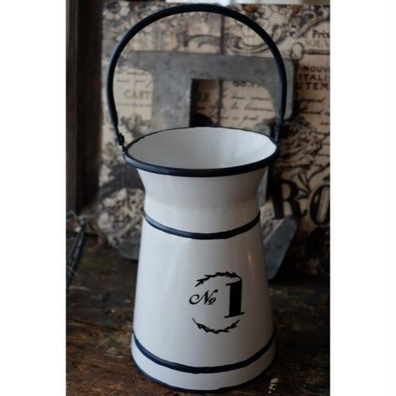 アンティーク風ミルク缶