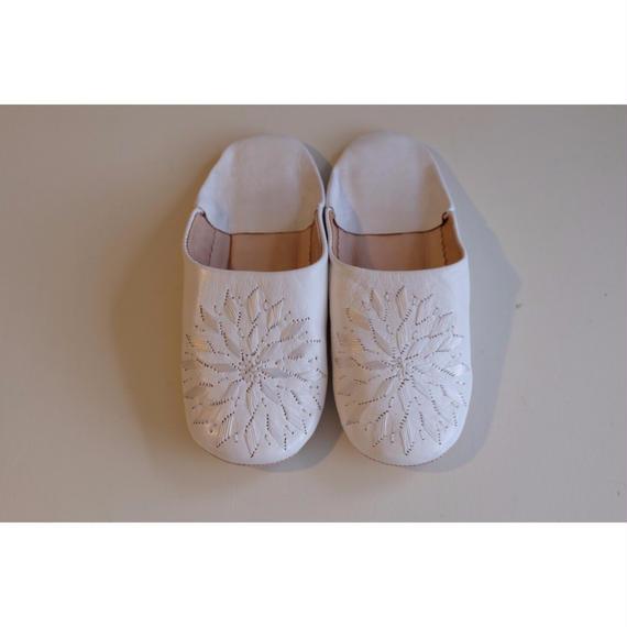 モロッコバブーシュ・白×白刺繍
