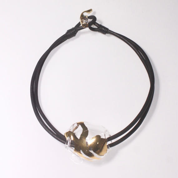 Air Necklace / Gold Black