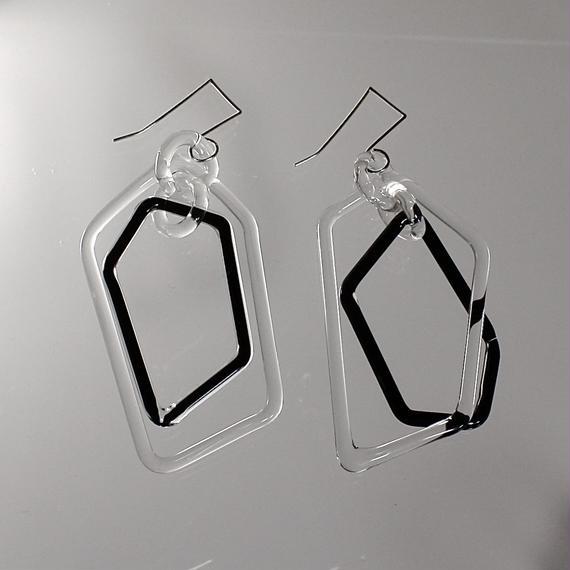 Pentagon Hook Earrings Clear black ペンタゴンフックピアス クリアブラック