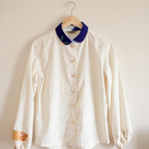 Ecru x Blue x Gold embroidery casual shirt (no.147)
