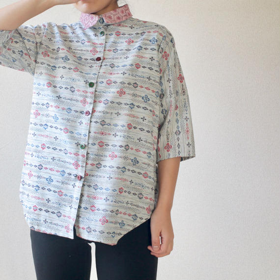 Retro pattern Lacework collar shirt (no.085)