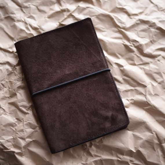 豚革のベロアの手帳カバー