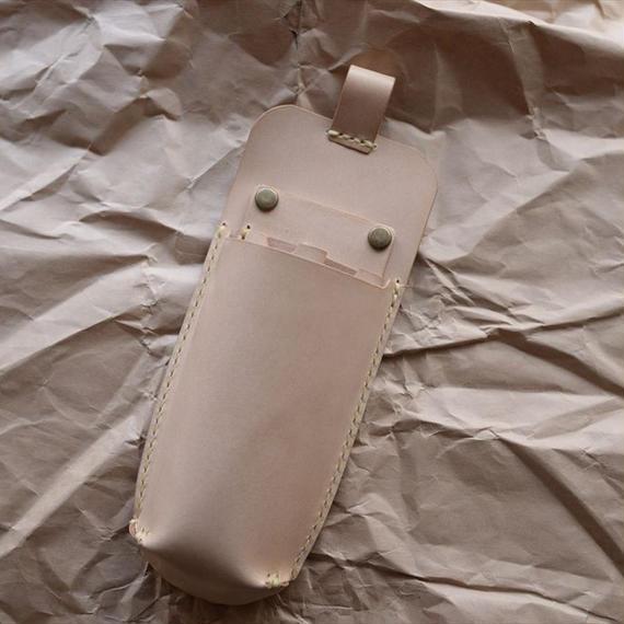 2丁差しのシンプルなヌメ革のシザーケース 003