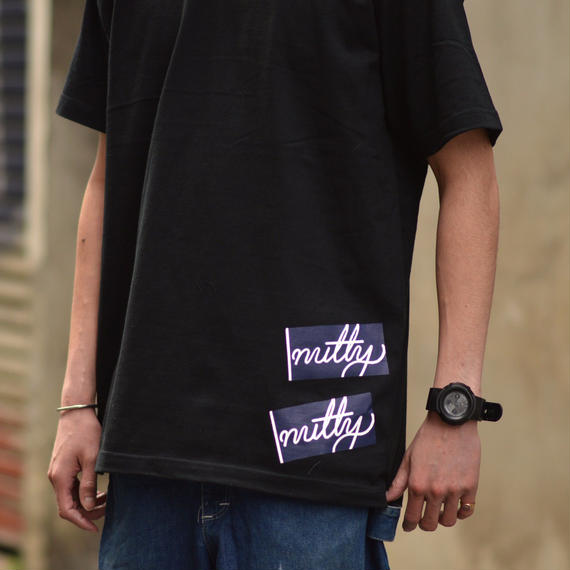 nutty clothing / STICKER T-SHIRT