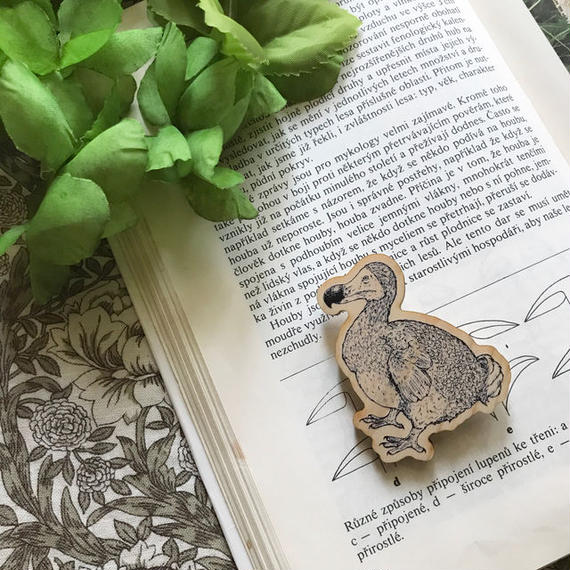 ドードー鳥のブローチ/ Wooden Brooch