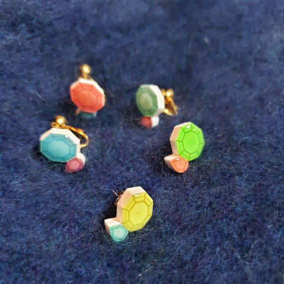 暗闇で光るネオンジュエル・イヤリング&ピアス/ Studs & clip earring