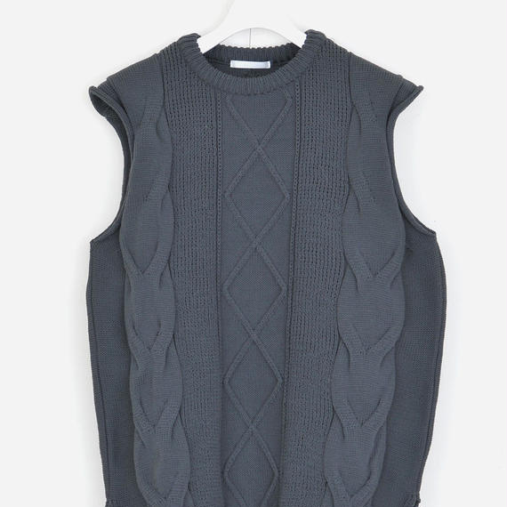 DISCOVERED BIG CABLE VEST
