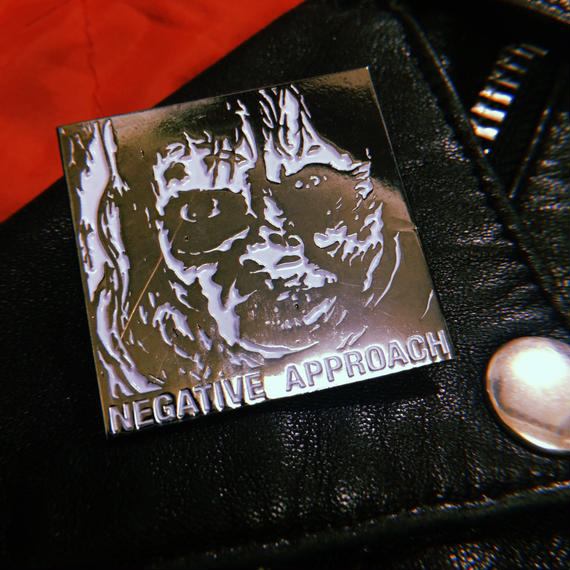 Negative Approach  Metal Badge(傷あり)