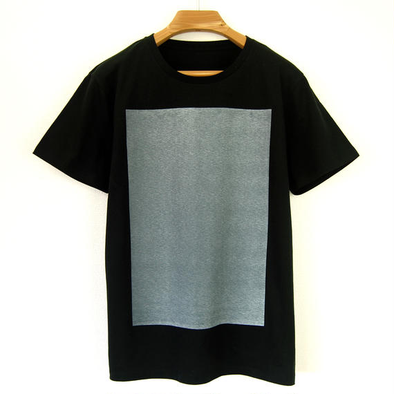 白角図Tシャツ_黒(スリムシルエット /シルクスクリーンプリント)