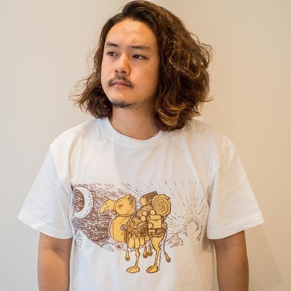 TRAVEL & Tシャツ ラクダ ホワイトver