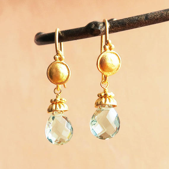 Petit Bell { Earrings } green amethyst