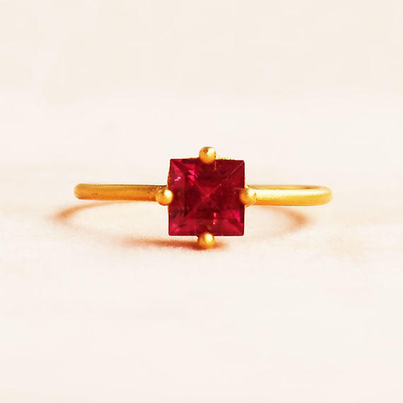 Individual Beauty  { Ring }  red tourmaline  K18