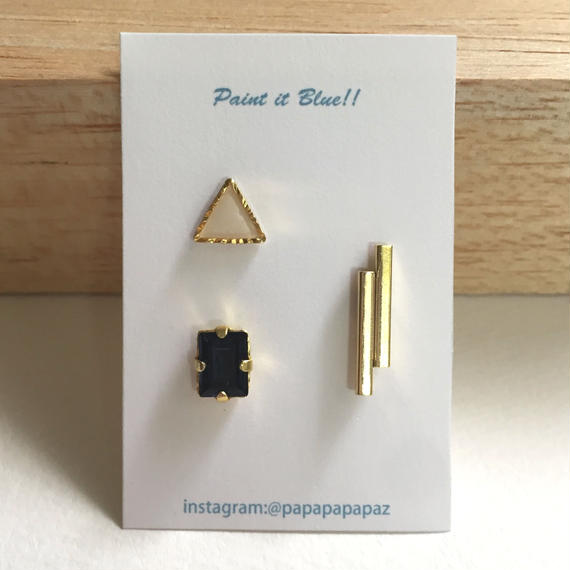 ピアスorイヤリング3Pセット/三角(ホワイト)・クリスタル(ネイビー)・メタル棒《受注生産》