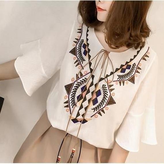 ボヘミアン調 春夏 プルオーバー シャツ 白 M ブラウス ベルスリーブ フォークロア 刺繍 タッセル