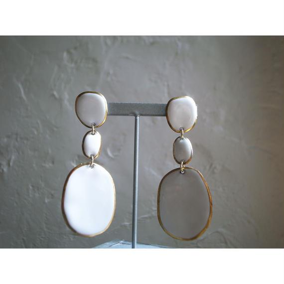 【3stones earrings White】[PEKI!RARIGON]