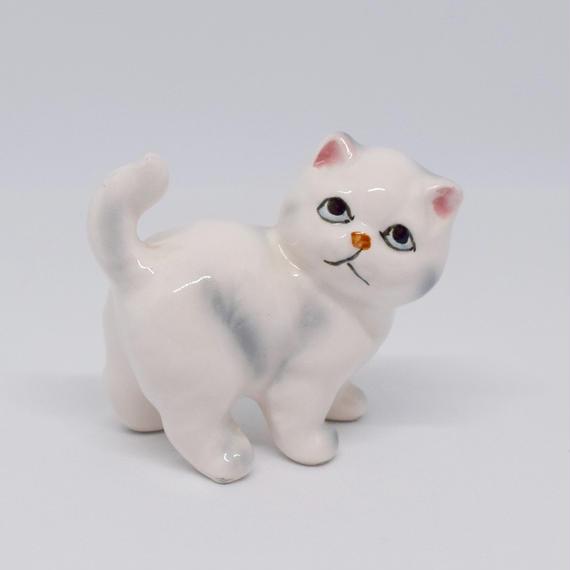 ドイツ もふっとおしりの白猫 フィギュリン