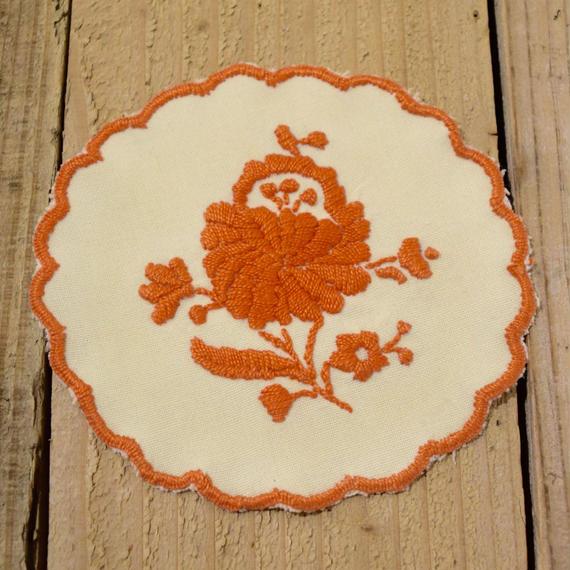 ハンガリー カロチャ刺繍 クロス オレンジのお花