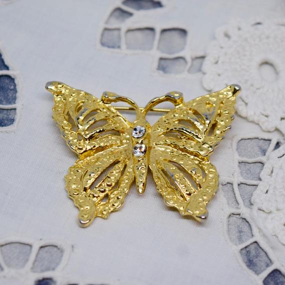 ハンガリー 蝶々のブローチ