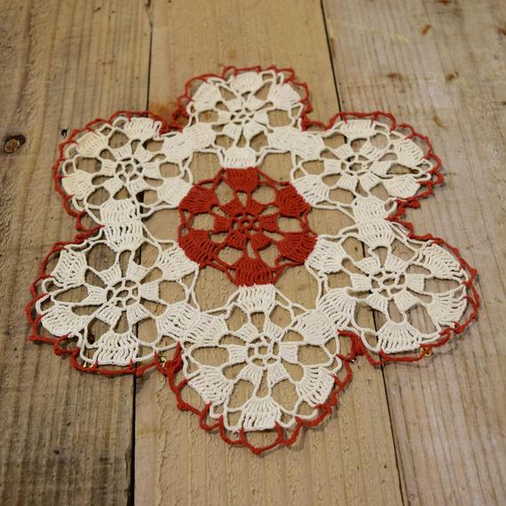 チェコ ドイリー 赤白のお花