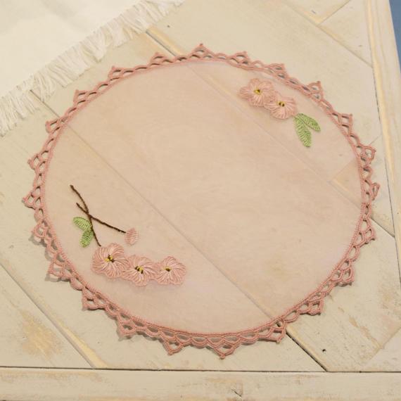 ブルガリア 透けるクロス ピンクの花