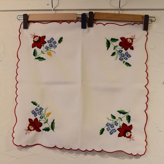ハンガリー カロチャ刺繍 スクエア1