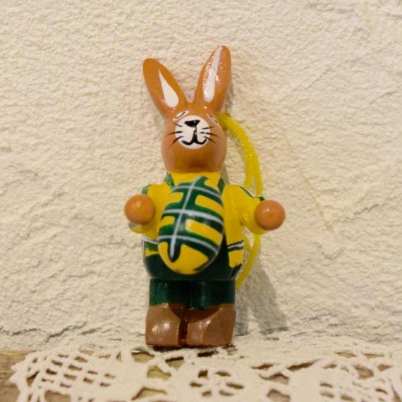 ドイツ ウサギのオーナメント イースターエッグ