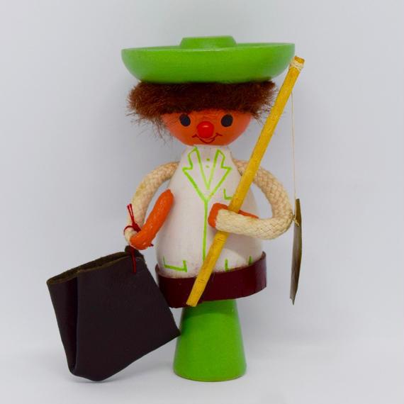 ハンガリー 釣り人のお人形 木製