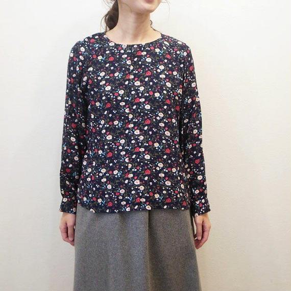 花柄プリント・長袖タックブラウス(724221) 通常価格¥10,584