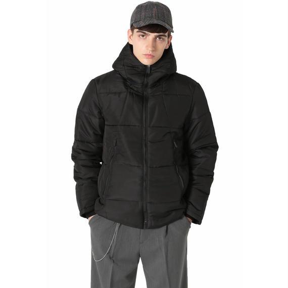 ボーリュームフードジャケット