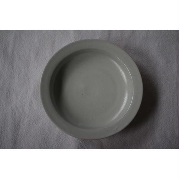 白磁リム鉢