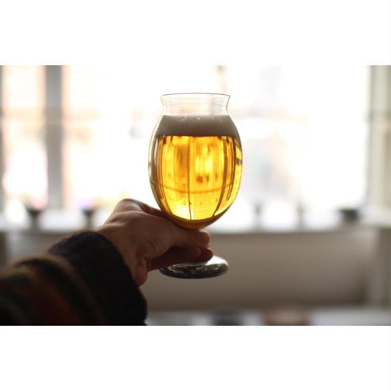 ビールorワイングラス 笹川健一