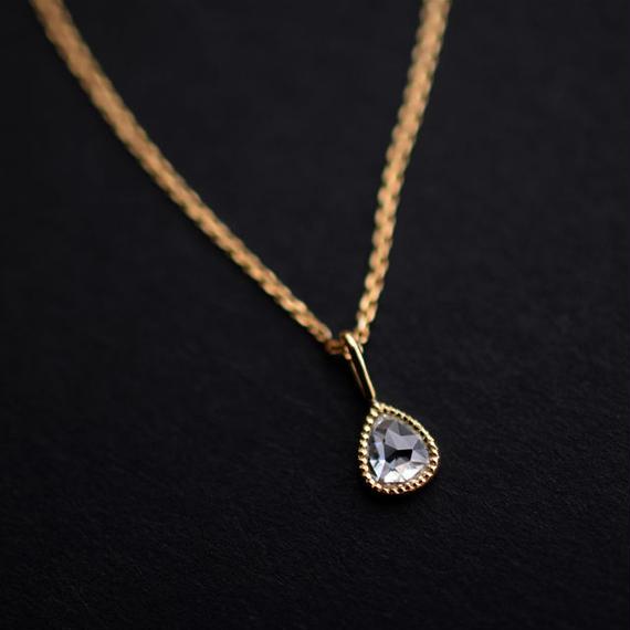 ローズカット・ダイアモンド(ペアシェイプ)ミルグレイン・K18イエローゴールド・ネックレス・1点もの