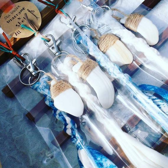 ギフトに最適!ハンドメイド雑貨【umichica】マクラメ × SHELL  SEAホルダー