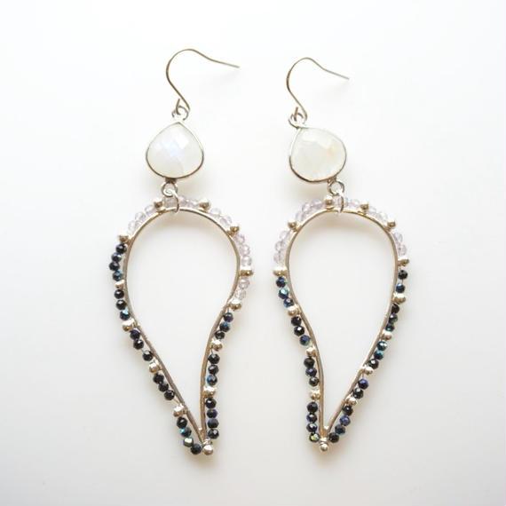 PURPLE x BLACK dot paisley earring